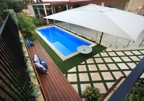 Bellagio Medium Fibreglass Pool - 7.5m x 2.5m | Colour : Horizon