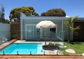 Capri Small Fibreglass Pool - 4m x 3.2m   Pool Colour : Indigo Snow