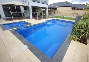 Panama Large Fibreglass Pool - 8m x 4m | Pool Colour : Cyber Blue
